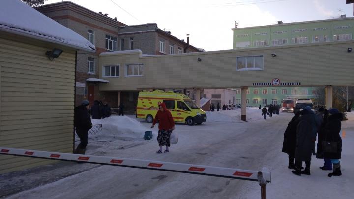 Омский минздрав прокомментировал фотографии тараканов и разрухи в БСМП-2