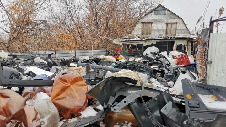 «Это не цех, а гадюшник»: за полгода до пожара у Мамаева кургана бизнесмена заставляли убраться