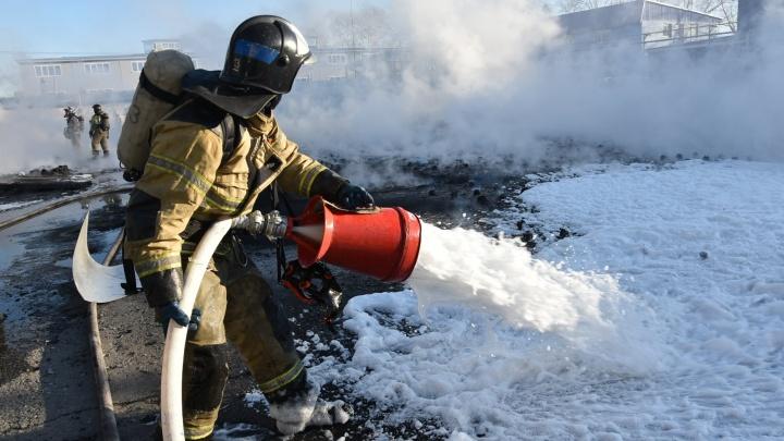 В МЧС назвали причину пожара на заводе «Полимерпласт» в Тюмени