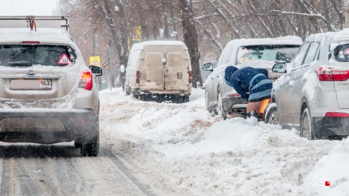 Глава департамента горхозяйства объяснил, что мешает оперативно убирать снег с улиц Самары