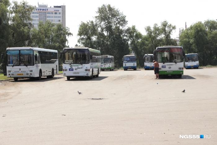 «Гармошки» начали исчезать с маршрутов в 2016 году — снятыми с них деталями чинили другие автобусы