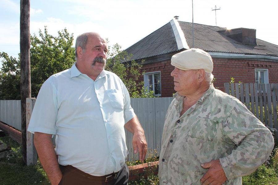 В этом году Виктор Григорьев (слева) собирался отметить 65-летие