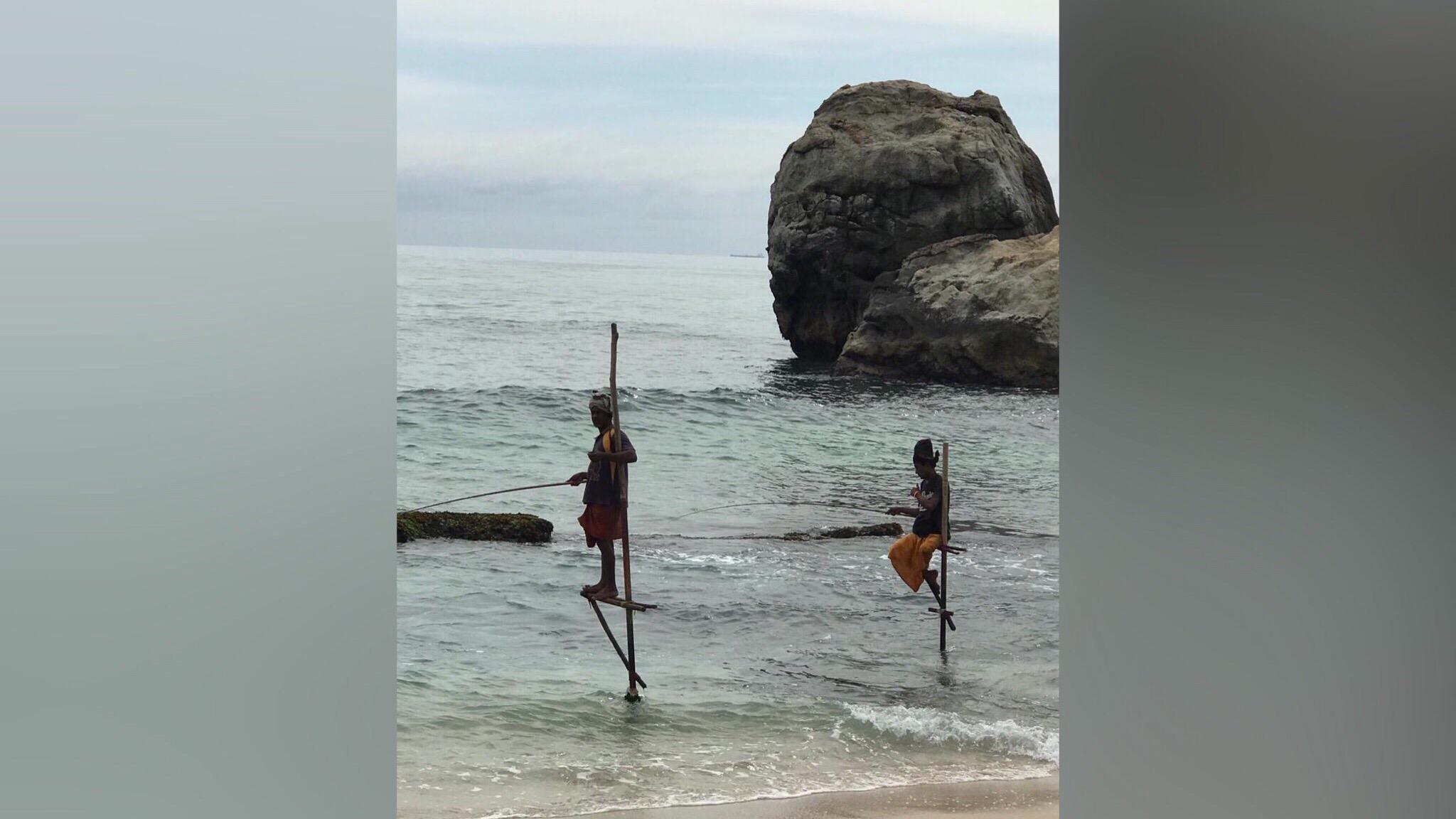 Как вам такой подход к рыбалке? Это вам не складные стульчики и термос в придачу