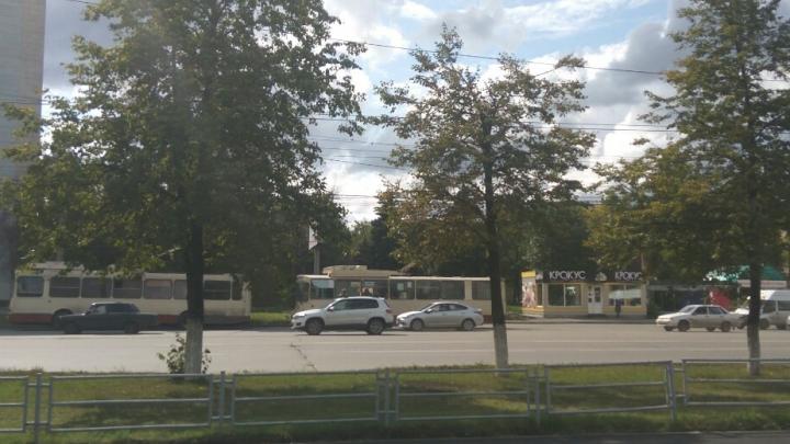 Оставшиеся без света дома на Северо-Западе Челябинска перевели на резервные источники питания
