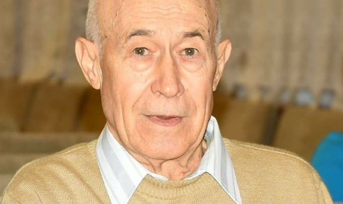 В Волгограде скончался первый директор школы №42
