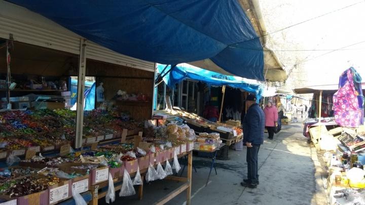 «Не имели права там оставаться»: челябинские чиновники объяснили решение снести рынок на Доватора
