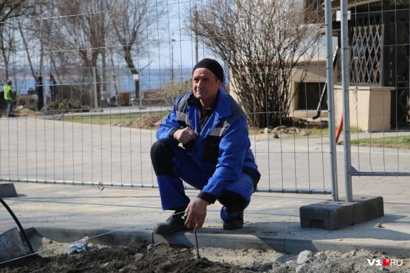 Накануне Нового года строители открыли проход на набережную Волгограда