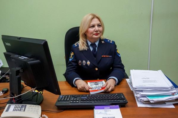 Нина Васильевна Шлякова в своем кабинете
