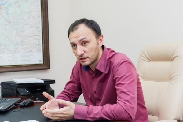 Полгода Дмитрий Баранов находится в статусе исполняющего обязанности главы фонда