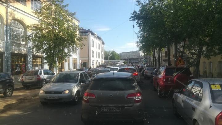Из-за празднования Дня города Ярославль встал в пробку: где не проехать