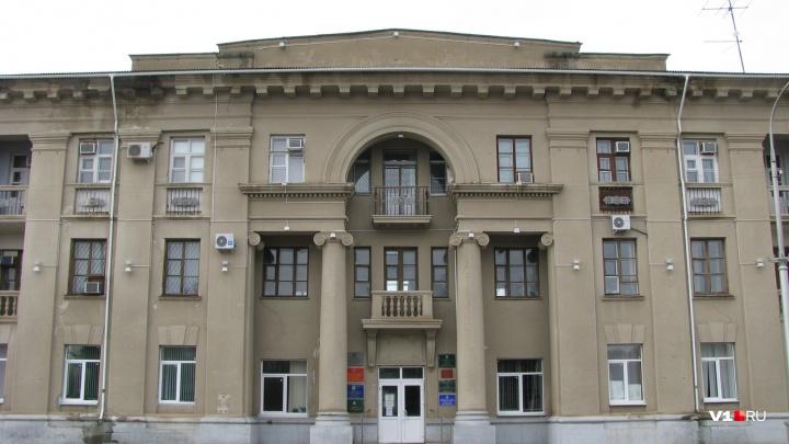 Сорвали процесс: в Волжском эвакуировали депутатов городской думы