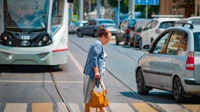 «Думала, буду гулять и читать, а приходится вкалывать»: ростовчанка — о жизни на пенсии и работе