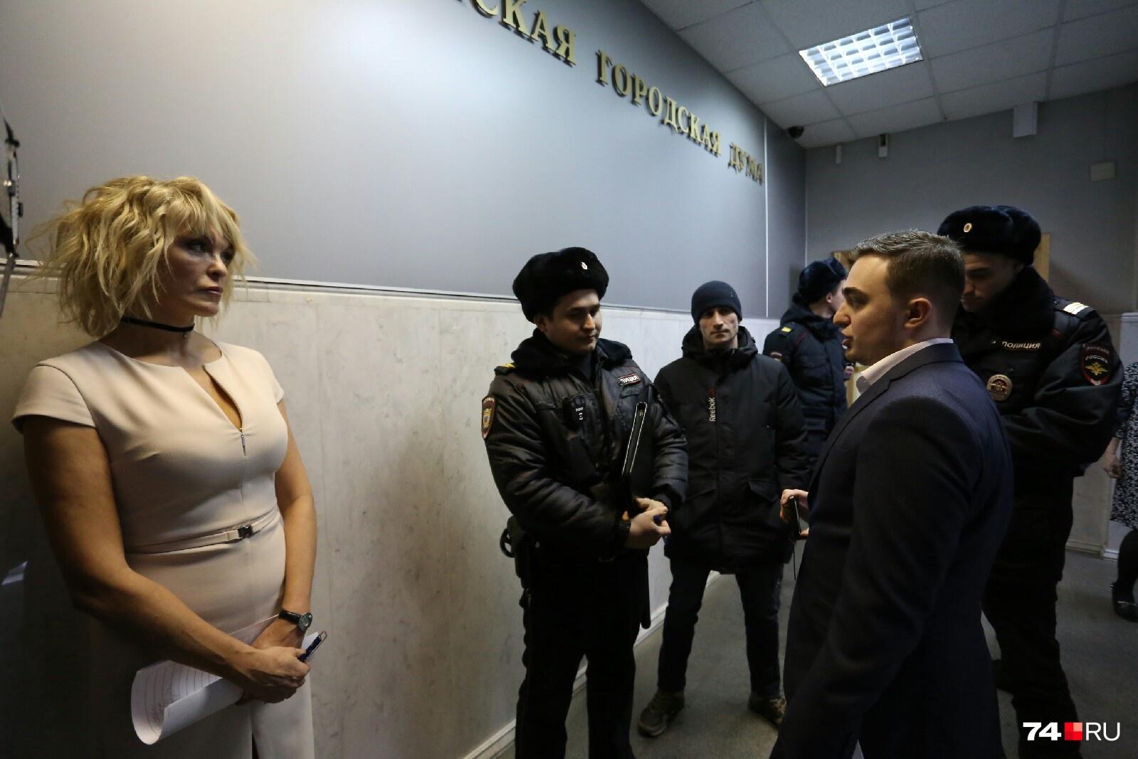 Ларисе Окуневой поступили сообщения с неизвестных номеров