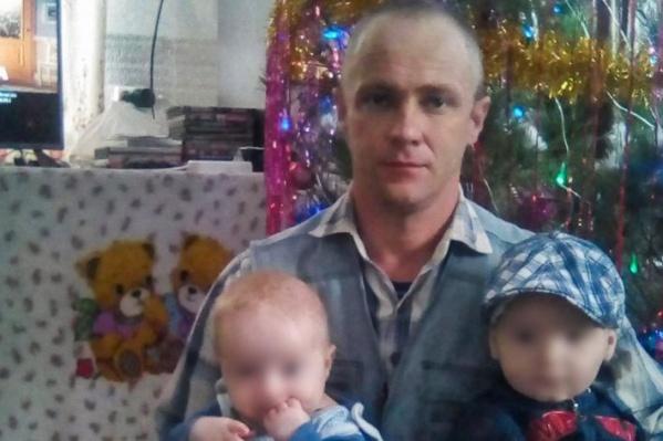 Мужчина избивал мальчугана за любую провинность