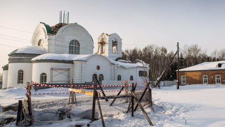 Неуправляемый посёлок: глава области раскритиковал чиновников Колывани после гибели двоих детей