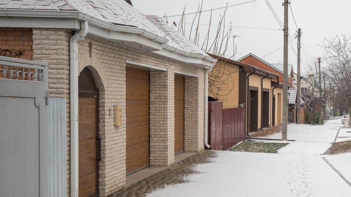 У чиновников ЮФО обнаружили дома на Рублевке