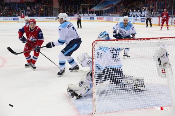 «Локомотив» успешно открыл серию домашних матчей