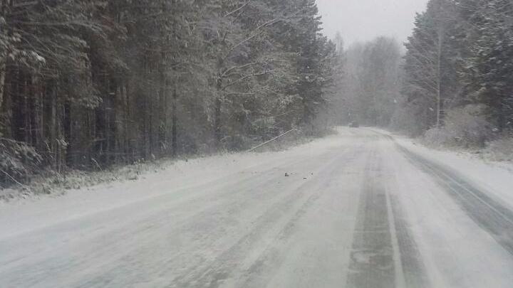Лёд сковал дороги под Красноярском