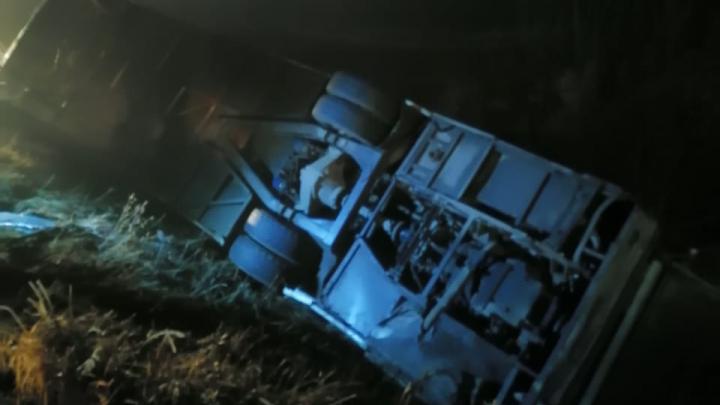 В Волгоградской области перевернулся пассажирский автобус