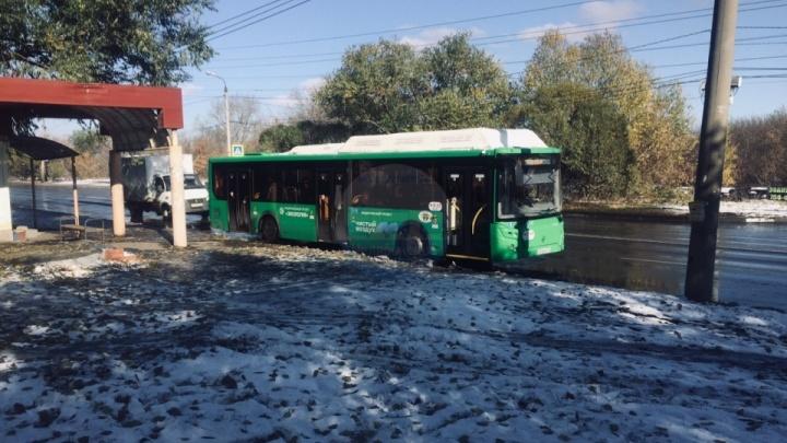 На отменённый маршрут между ЧМЗ и Северо-Западом вывели первый автобус