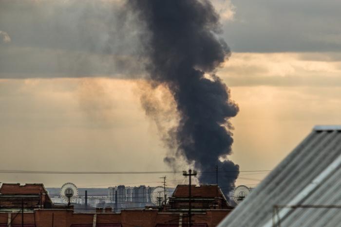 Вид на пожар из центральной части Новосибирска