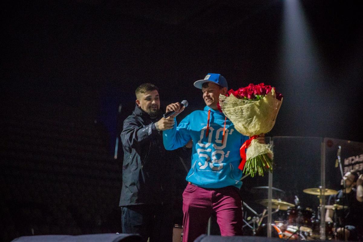 Новосибирец сделал предложение на сцене ЛДС