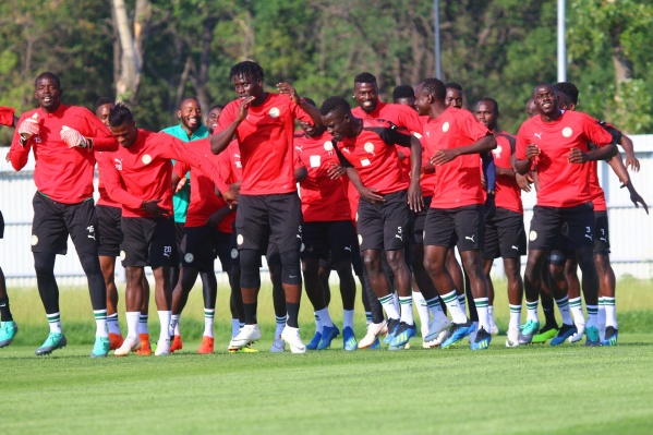 Зажигательные африканцы прекрасно и танцуют, и играют в футбол
