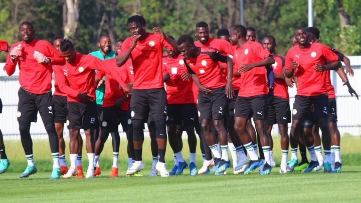 Сборная Сенегала станцевала на предматчевой тренировке в Самаре