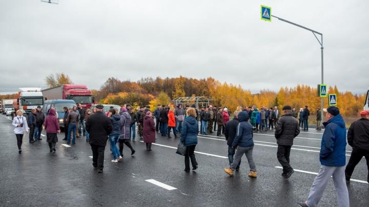 Жители Лысковского района вышли на трассу М-7 против запрета левых поворотов. И добились своего