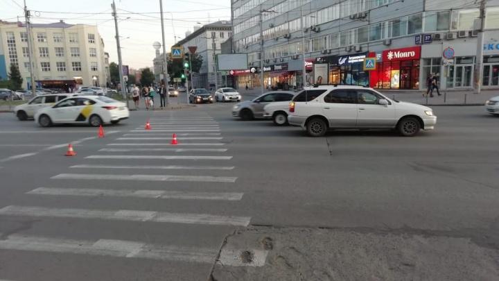 В ГИБДД рассказали о травмах сибирячки, которую в центре Новосибирскасбила машина