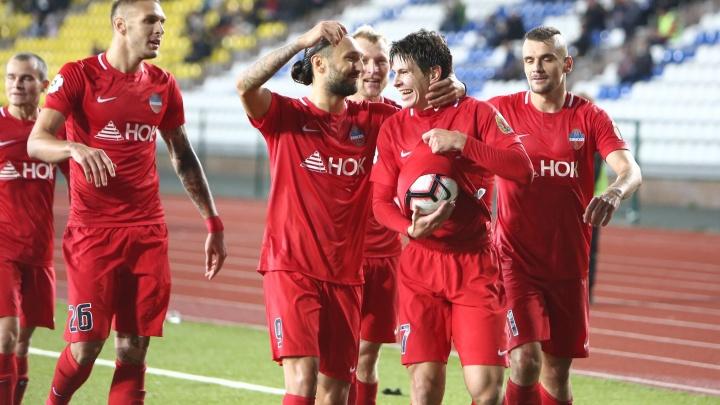 Футболисты «Енисея» одержали первую победу в Премьер-лиге