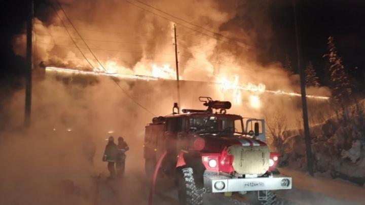 Названа причина пожара в доме на севере края, из которого эвакуировали 25 человек