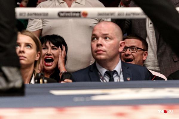 Врио губернатора Алексей Текслер и его супруга Ирина болели за Сергея Ковалёва