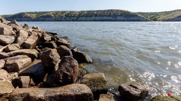 В Волгоградской области нашли тело женщины со звездой на щиколотке