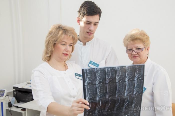 Неврологи открыли льготный приём по заболеваниям позвоночника и суставов