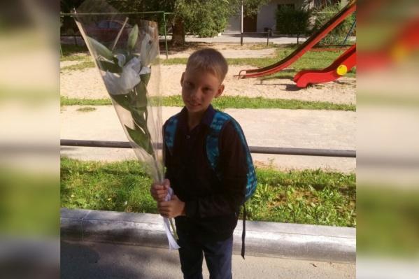 Ярослав в этом году окончил третий класс