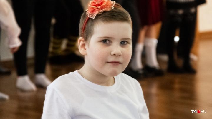 Балерина, которая не любит творог. Семилетняя челябинка с раком сыграет в спектакле