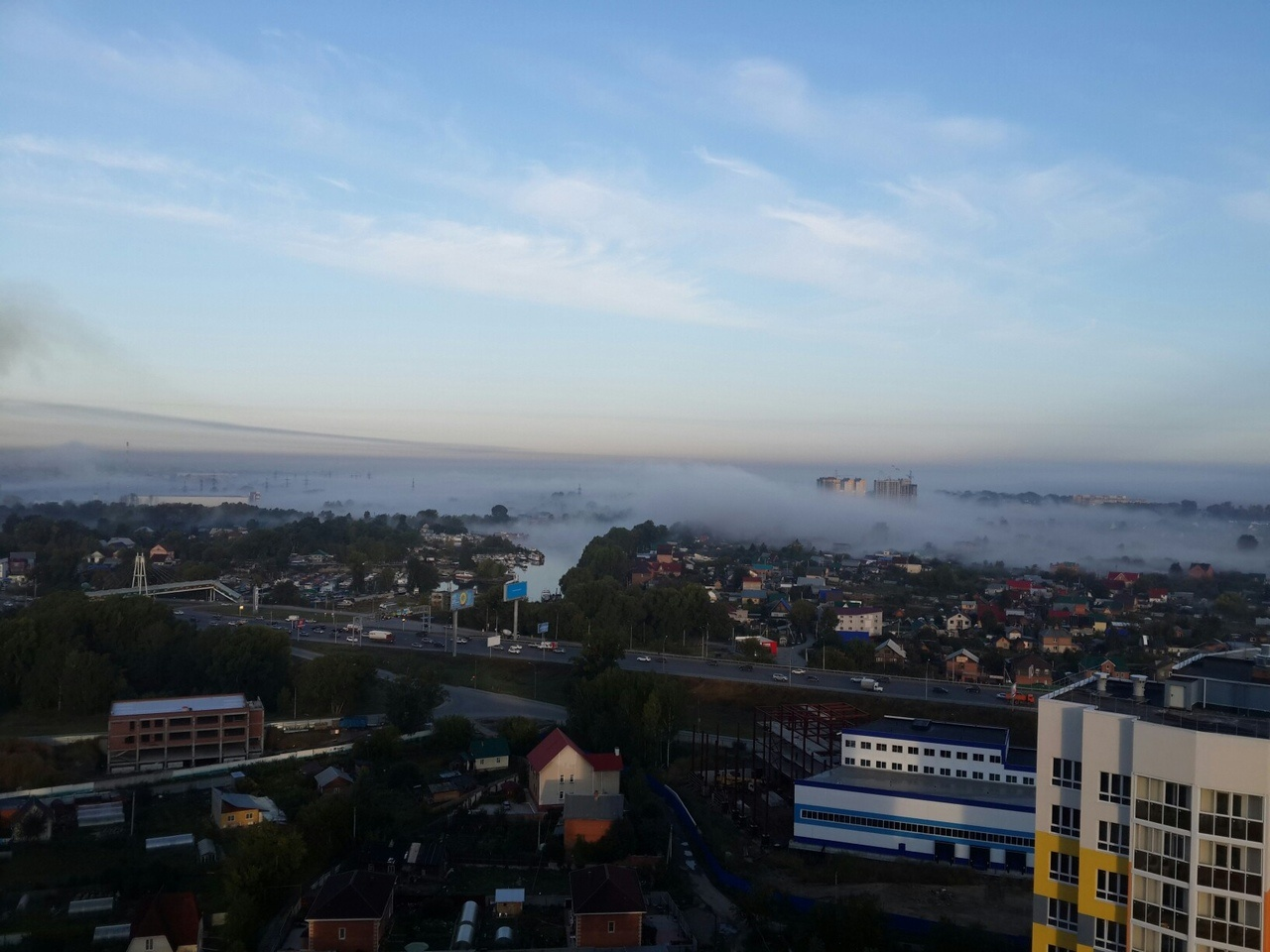 Густой туман окутал окрестности Затона и пескобазы