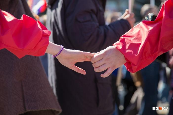 Зарплата.ру выяснила, что есть компании, где запрещены любовные связи между сотрудниками