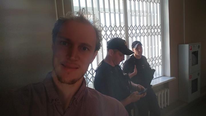 Пермского активиста Сергея Ухова арестовали на 15 суток. Его задержали еще до акции протеста