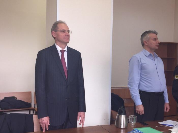 Василий Юрченко и один из его адвокатов Александр Балян во время оглашения приговора