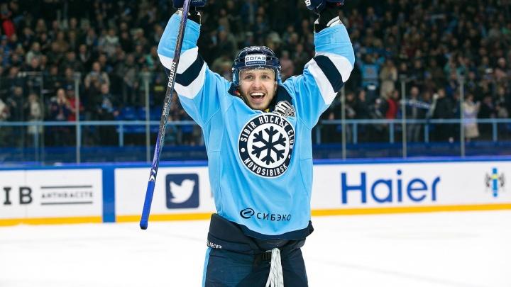 Хоккейная «Сибирь» продлила контракт с бывшим нападающим питерского СКА