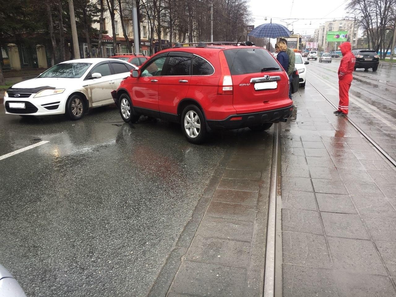 Авария произошла возле дома №26 на Богдана Хмельницкого