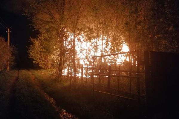 Соседи сняли фото пожара