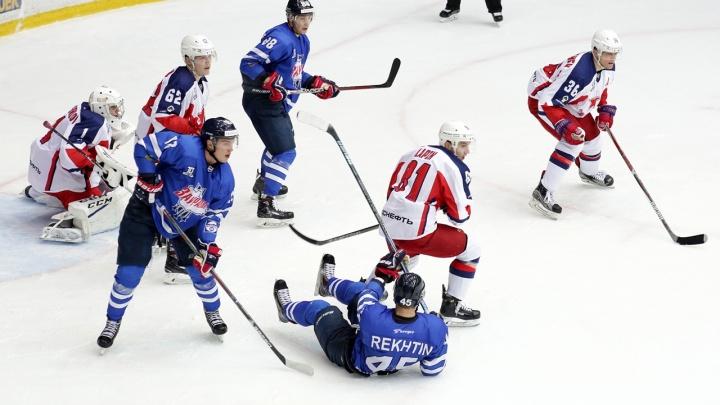 «Соперник ложился под шайбу»: «Зауралье» на домашнем льду потерпело очередное поражение