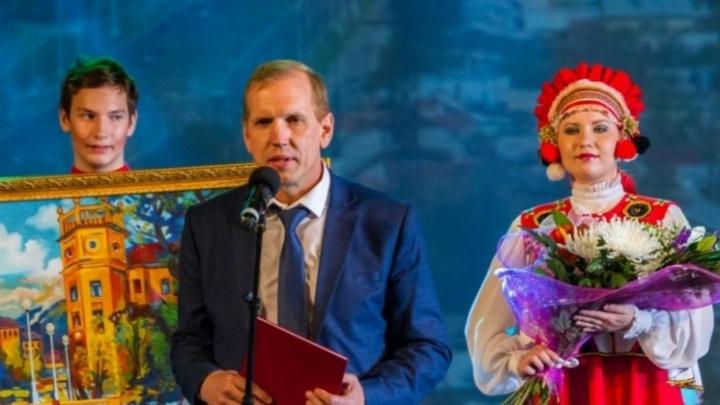 Хотел повысить авторитет: экс-главу района наказали за сбор денег с бизнесменов на ледовый городок