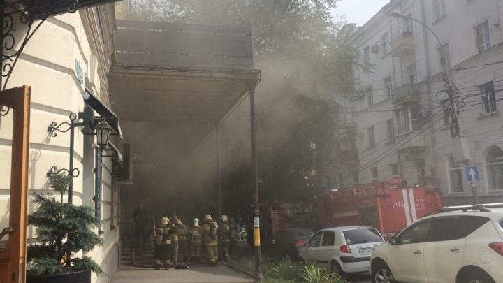 Огненный отдых: в Таганроге сгорел спа-салон