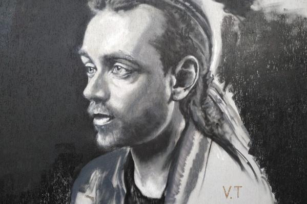 Вскоре портрет украсят тексты песен Децла