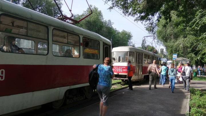 Утром в Самаре встали трамваи на Ставропольской
