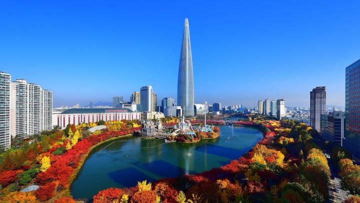 Заболели Южной Кореей: туда уезжают, чтобы съесть кимчи, послушать K-pop и лечь в клинику